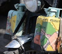 Канистры для бензина. Архивное фото