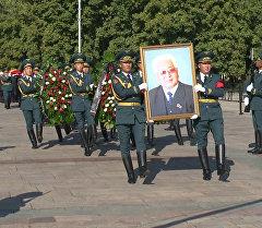 Всю свою жизнь отдал служению Родине — Атамбаев об Усубалиеве