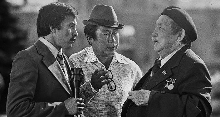 Окееву — 80 лет. Кыргызское чудо, или Строчка фильмов длиной в эпоху