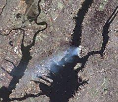 Снимок теракта 11 сентября из космоса. Архивное фото