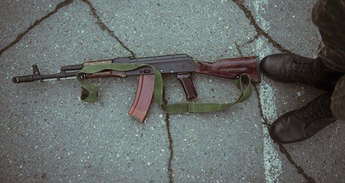 Автомат Калашникова. Архивное фото