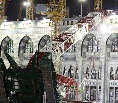 Дүйнөдөгү ири мечиттердин бири Аль-Харамда 11-сентябрь күнү кран кулап, 107 адам каза болуп, 238и жаракат алган.