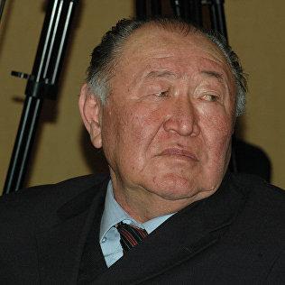 Народный писатель Казат Акматов