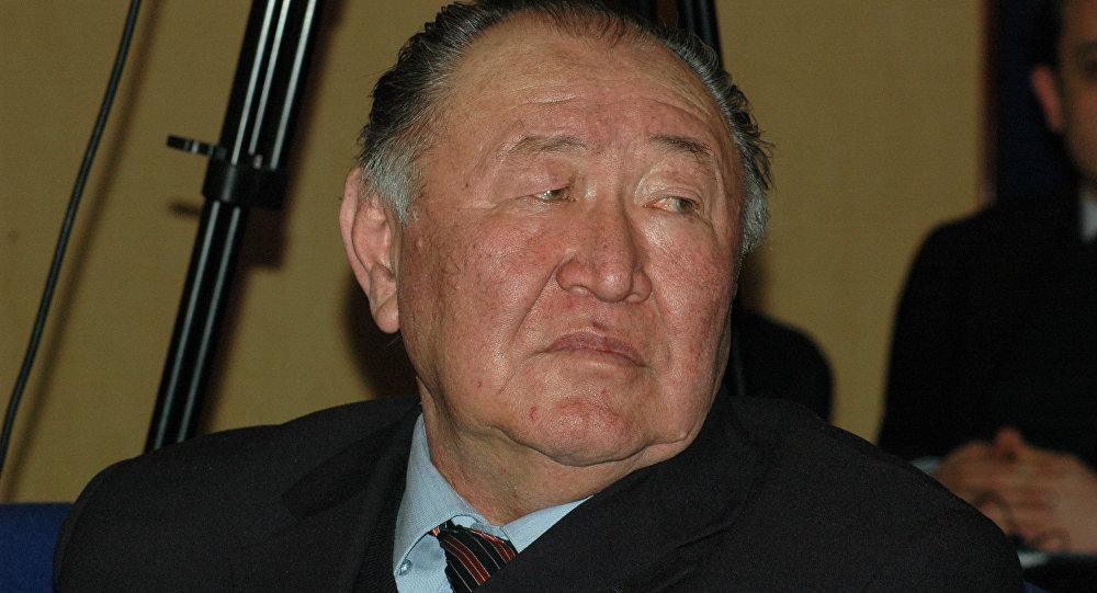 Жазуучу Казат Акматов. Архив