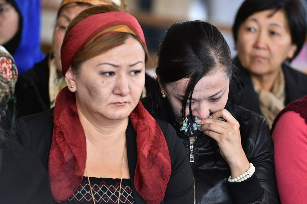 Кыргыз Эл жазуучусу Казат Акматовдун тууган-уругу жана жакындары