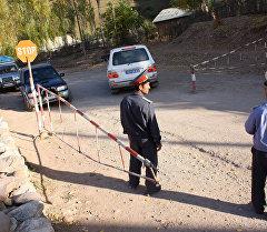Пост на автодороге Душанбе - Хорог. Архивное фото