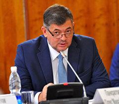 Вице-премьер-министр Олег Панкратов. Архив