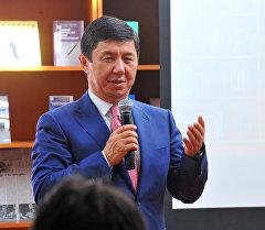 Премьер-министр Темир Сариев. Архив