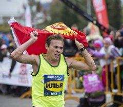 Чуркоо марафону боюнча жарышка чыгатуран кыргызстандык Илья Тяпкин. Архив