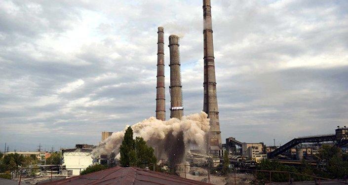 Жекшемби күнү Бишкектин ТЭЦинде реконструкциялоо иштеринин алкагында №1-түтүк жардырылды.