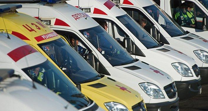 Автомобили служб скорой помощи. Архивное фото
