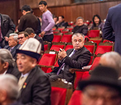 Бишкек шаарындагы Баетов көчөсүндө жайгашкан Өмүрбек Текебаевдин архивдик сүрөтү