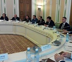 Переговоры между руководством Свердловской области и официальной делегацией Министерства труда, миграции и молодежи КР.
