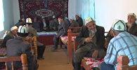 Баткен шаарында улгайгандар үчүн чайхана-борбор ачылды