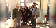 Баткенцы на участке №2093 не могли 20 минут проголосовать на выборах