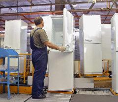 Производство холодильников. Архивное фото