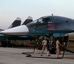 Россиянын авиациялык техникалык персоналы Сирияда. Архив