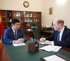 Премьер-министр Темир Сариев Financial Times басылмасына маек куруу учурунда.