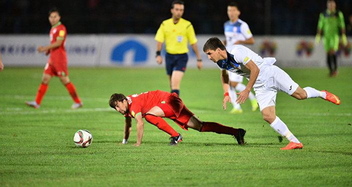 Первый и единственный гол на восьмой минуте матча в ворота таджикской команды забил Азамат Байматов — капитан сборной Кыргызстана