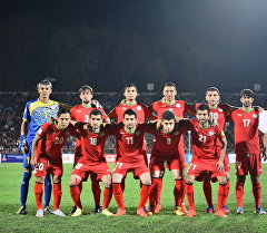 Сборная Таджикстана перед матчем. Архивное фото