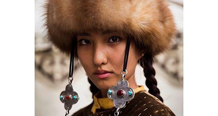 Неподдельная красота кыргызских девушек отражает любовь к свободе кочевников.