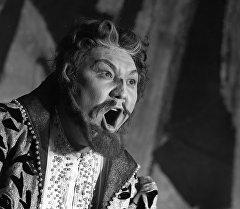 К 75-летию великого кыргызского певца Булата Минжилкиева