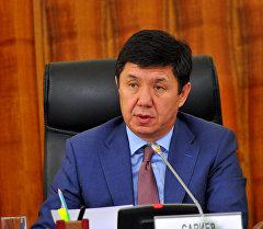 премьер-министр Темир Сариевдин төралыгы алдында өткөн Макроэкономика жана инвестиция боюнча координациялык кеңештин жыйынында.
