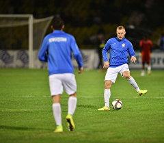 Футболисты тренируются перед матчем Кыргызстан — Бангладеш