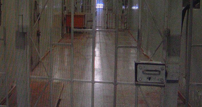 Коридор в здании, где содержатся заключеные (2008 год)