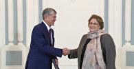 Атамбаев принял верительные грамоты от дипломатов из шести стран