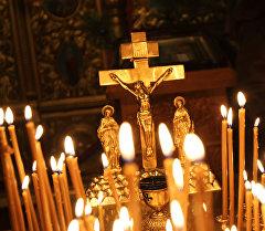 Христиандар храмында. Архив