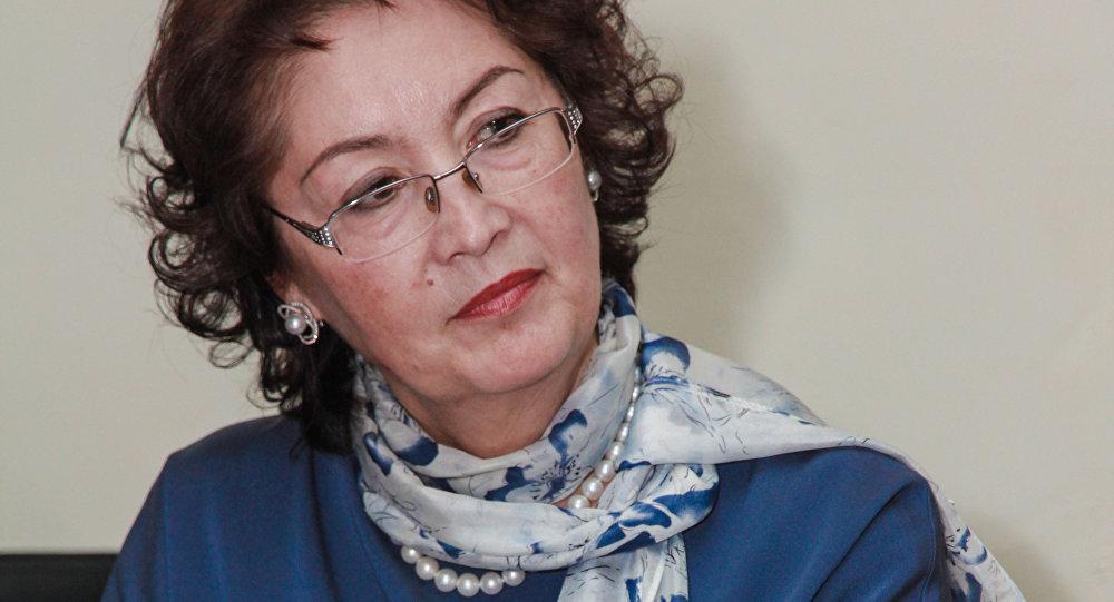 Раиса Атамбаева. Архивдик сүрөт