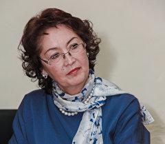 Өлкөнүн биринчи айымы Раиса Атамбаева. Архив