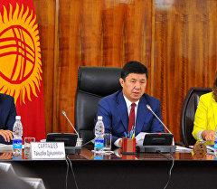 Рабочее совещание премьер-министра Кыргызской Республики Темира Сариева с участием членов правительства.