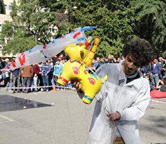 Яйца, которые не бьются: состязание Gravity Challenge прошло в Тбилиси
