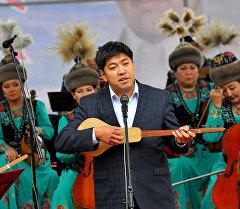 Акын Азамат Болгонбаев. Архив