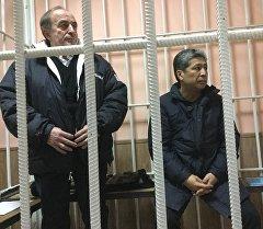 Хаджимурат Коркмазов жана Данияр Нарымбаев сотто. Архив