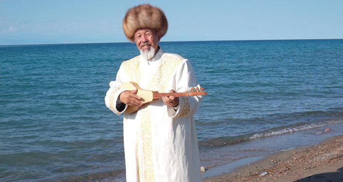 Комузчу Нурак Абдрахманов. Архив
