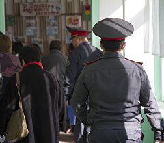 Сотрудники милиции. Архивное фото