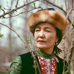 К 92-летию кыргызской актрисы Бакен Кыдыкеевой