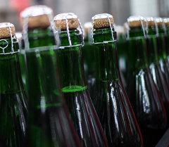 Бутылки шампанского. Архивное фото