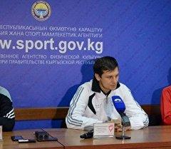 Тренер футбольной команда Наше пиво Валерий Березовский. Архивное фото