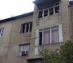 Окна на квартиру где отстреливался заключенный Итибаев и проводилась спецоперация