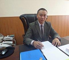 Жергиликтүү өз алдынча башкаруу иштери жана улуттар аралык мамилелер боюнча мамлекеттик агенттиктин төргасы Бакыт Рыспаев.