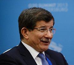 Түркиянын премьер-министр Ахмет Давутоглу. Архив