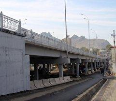 Подготовка к открытию эстакадного моста в городе Ош