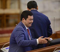 Архивное фото депутата Акылбека Жамангулова