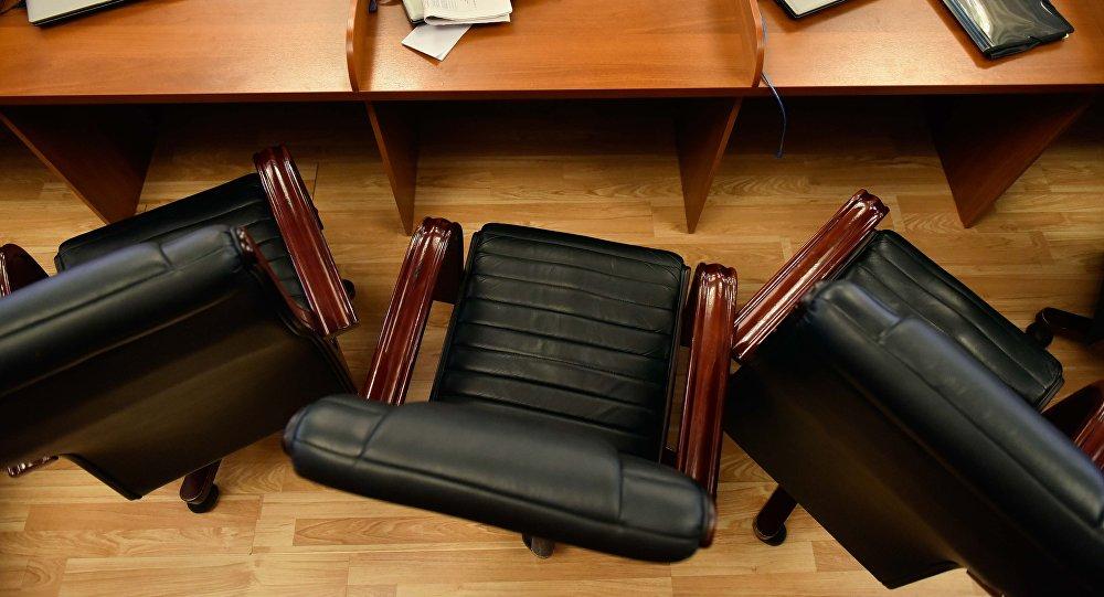 Рабочее место депутата Жогорку Кенеша. Архивное фото
