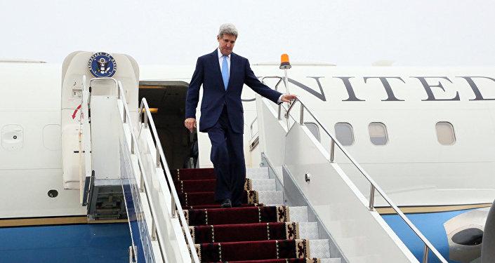 Государственный секретарь США Джон Керри приехал в Кыргызстан в субботу.