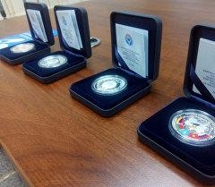 Улуттук банк Евразия экономикалык союзу коллекциялык 10 сомдук күмүш монетасын жүгүртүүгө чыгарды.